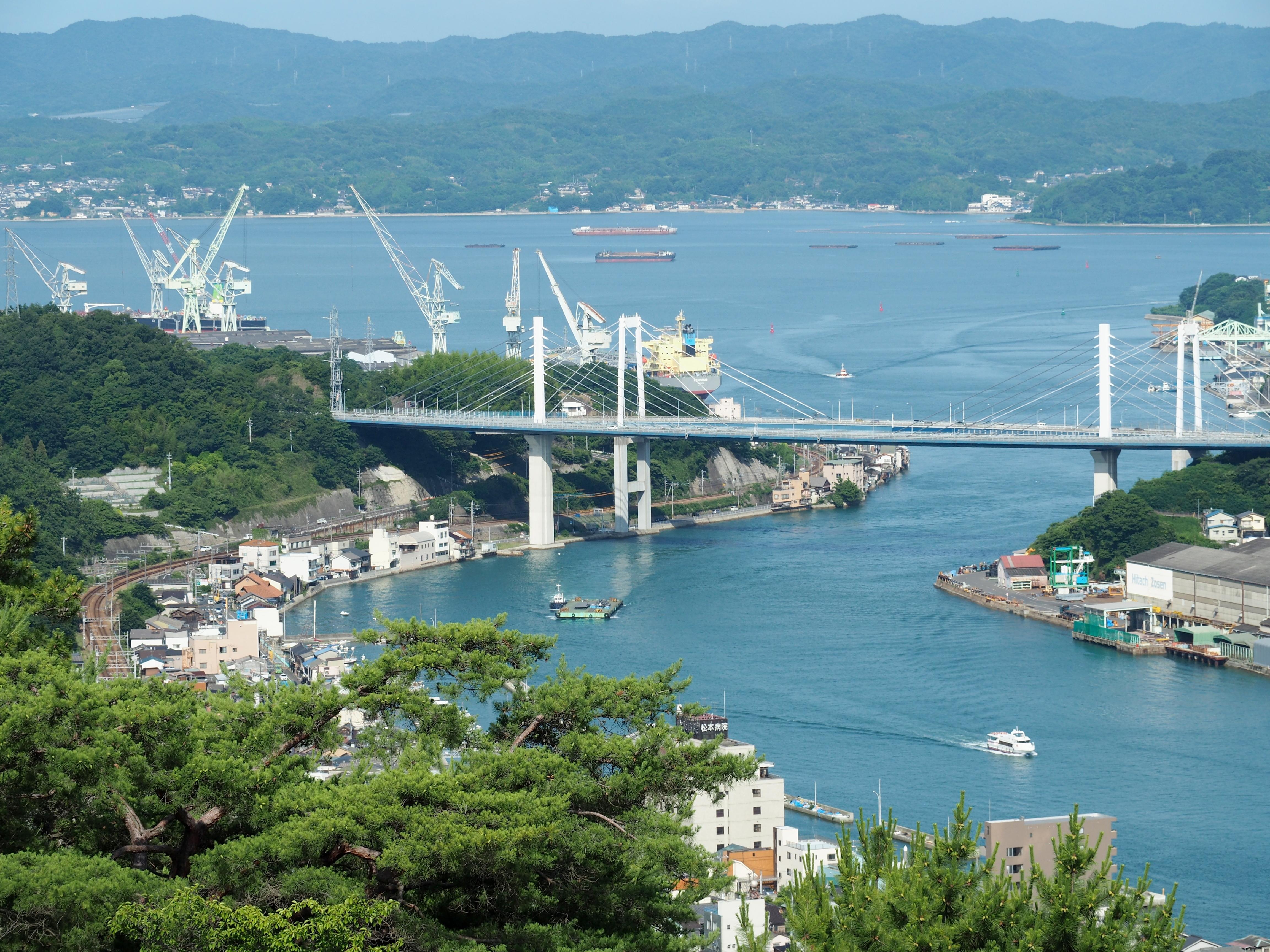 千光寺公園から見る尾道水道.jpg