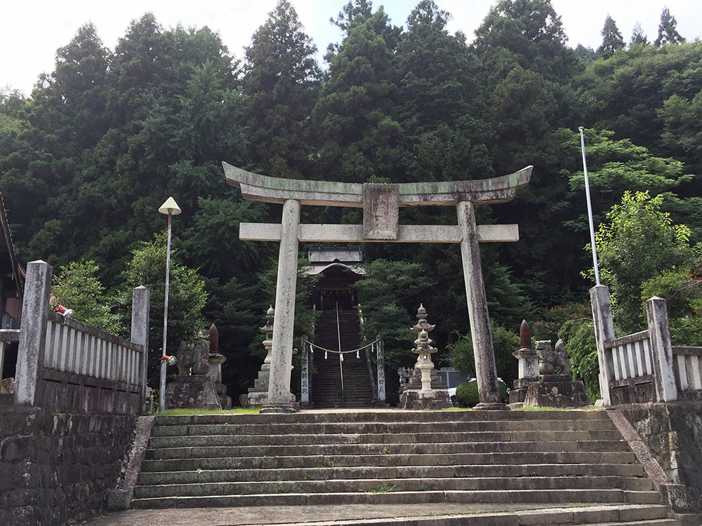 Miyoshi_jinja.jpg