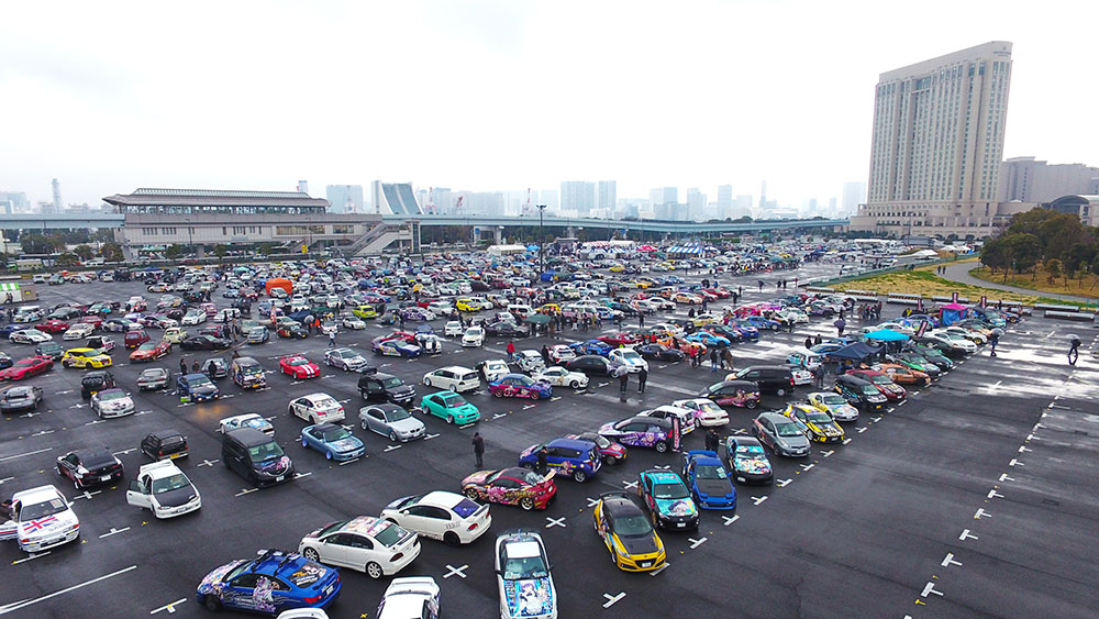 """日本最大規模で開催!約1000台の""""痛車""""が台場に集結"""