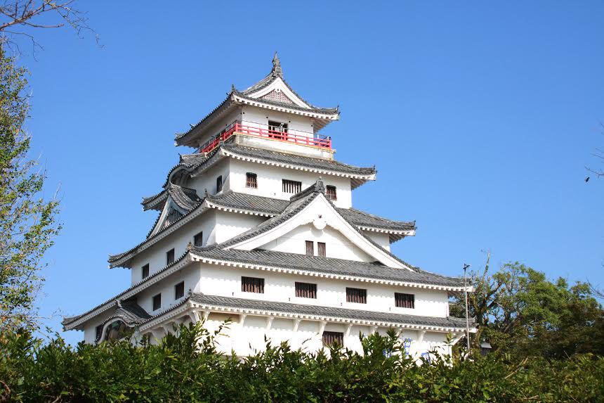 Yuri_Tour_Castle.jpg